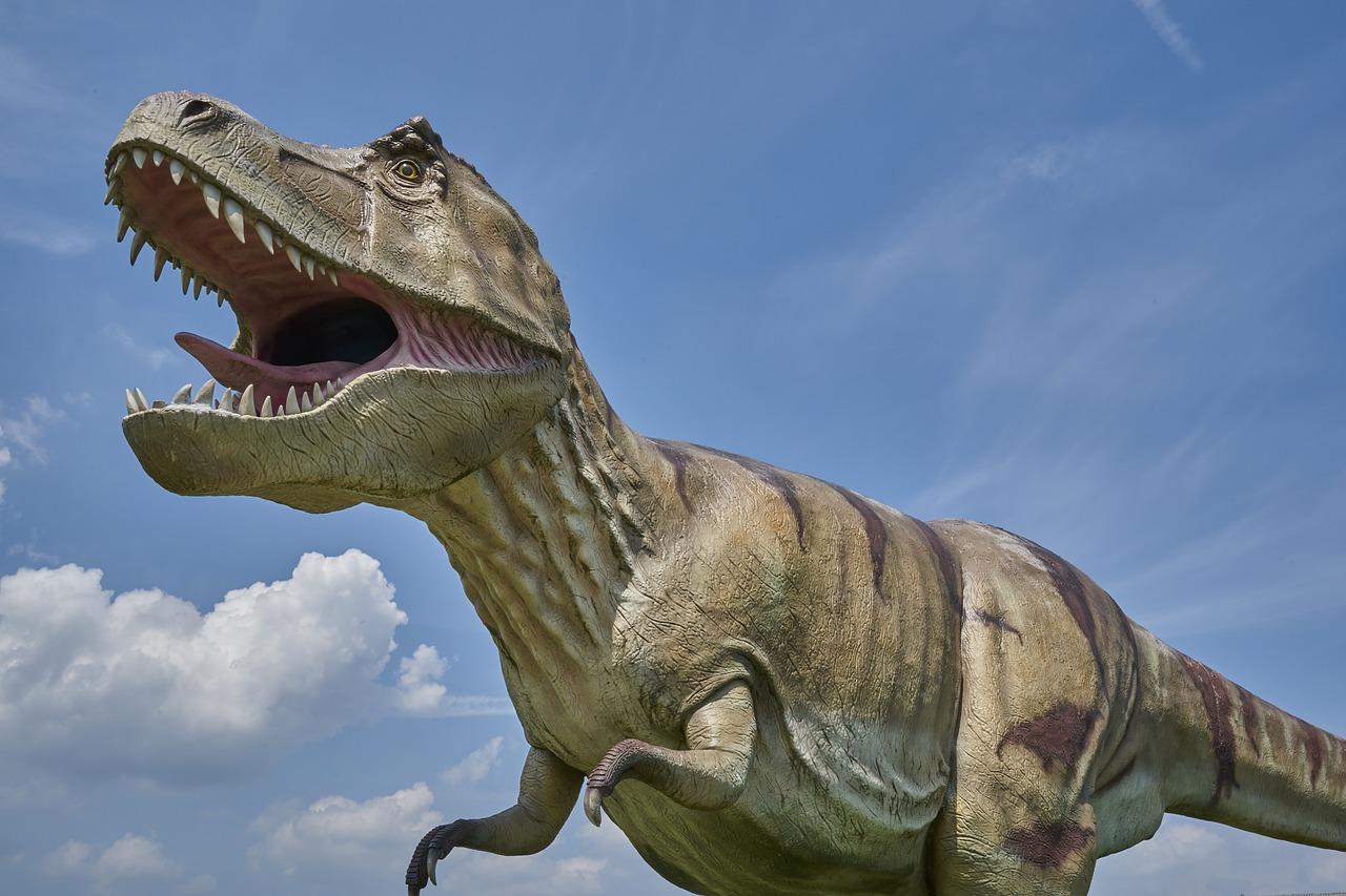 punaise de lit et dinosaure